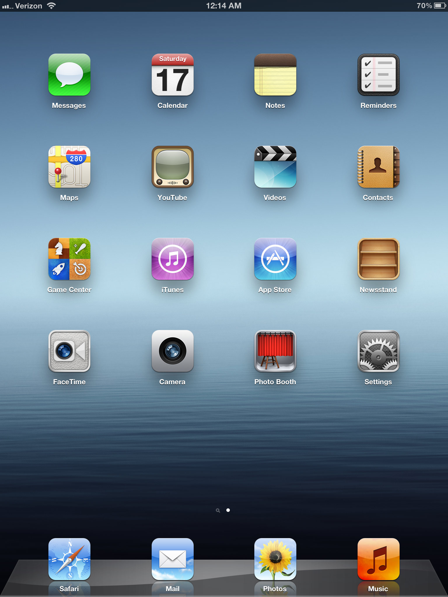 Screenshot of iPad 3 home screen running iOS 6
